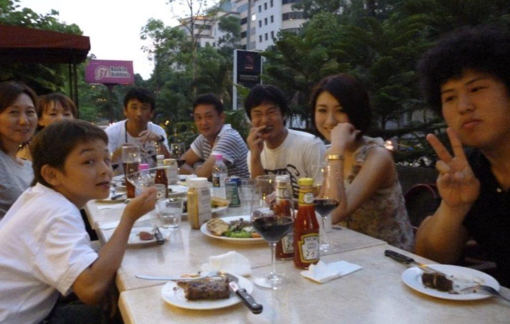 マレーシアで海外で働く大人と出会う。
