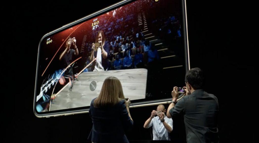 新型iPhoneXSでARゲームを協力プレイ